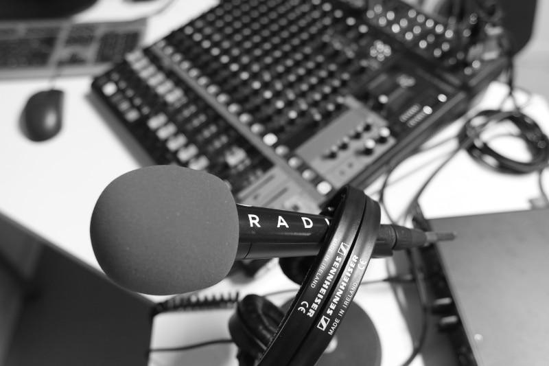 micro table mixage studio wave radio